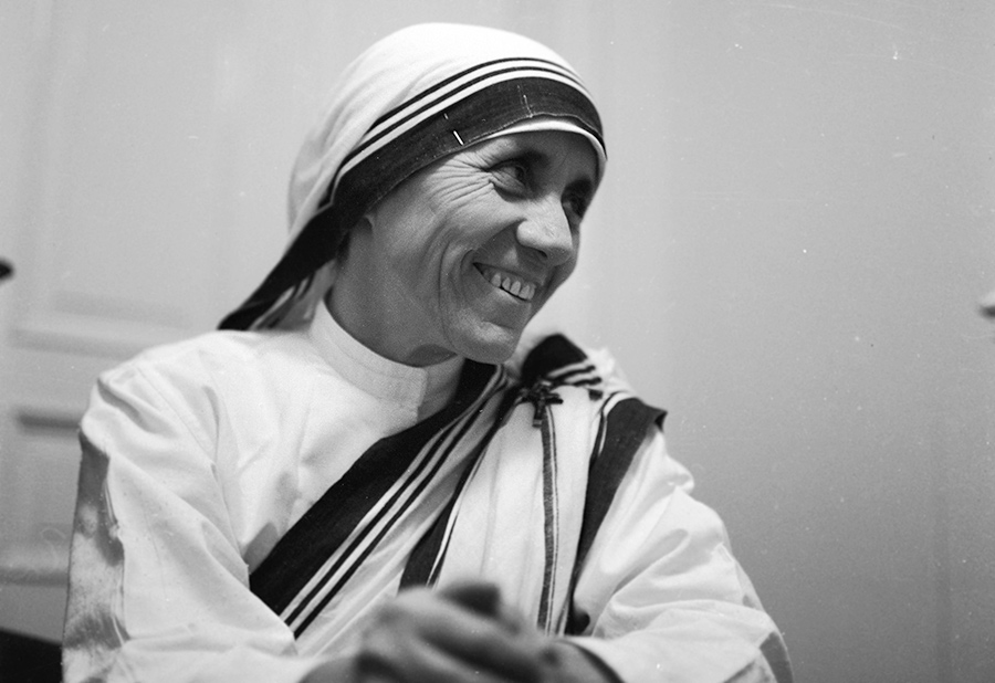 mother teresa 3 Mother teresa the woman known as mother teresa was born in 1910 in what is now known as the republic of macedonia she came from a comfortable family that were deeply religious and devoted to the roman catholic church, and very committed to helping those less fortunate.