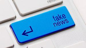Fake News Key Board Computer - 900