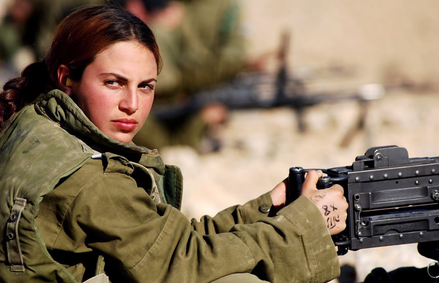 military women pictures