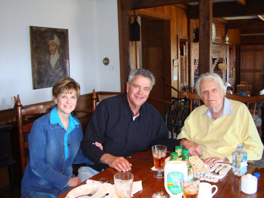 Stream founder James Robison and his wife Betty visiting with their longtime friend in 2009.