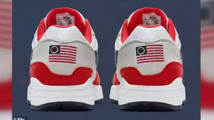 collar Consejo Múltiple  Report: Colin Kaepernick Pressured Nike to Recall American Flag-Themed  Sneakers   The Stream