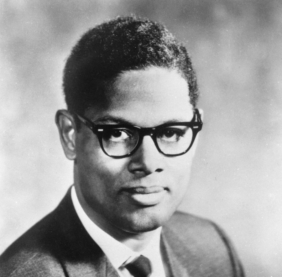 Thomas-Sowell-in-1974-900.jpg (900×884)
