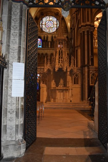 Declarations posted at the choir entry to Canterbury Cathedral, week of 31 October 2017. Open Use. Provided by a Church of England priest. Via PJMedia