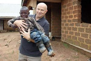 Petr Jasek with a Sudanese child.