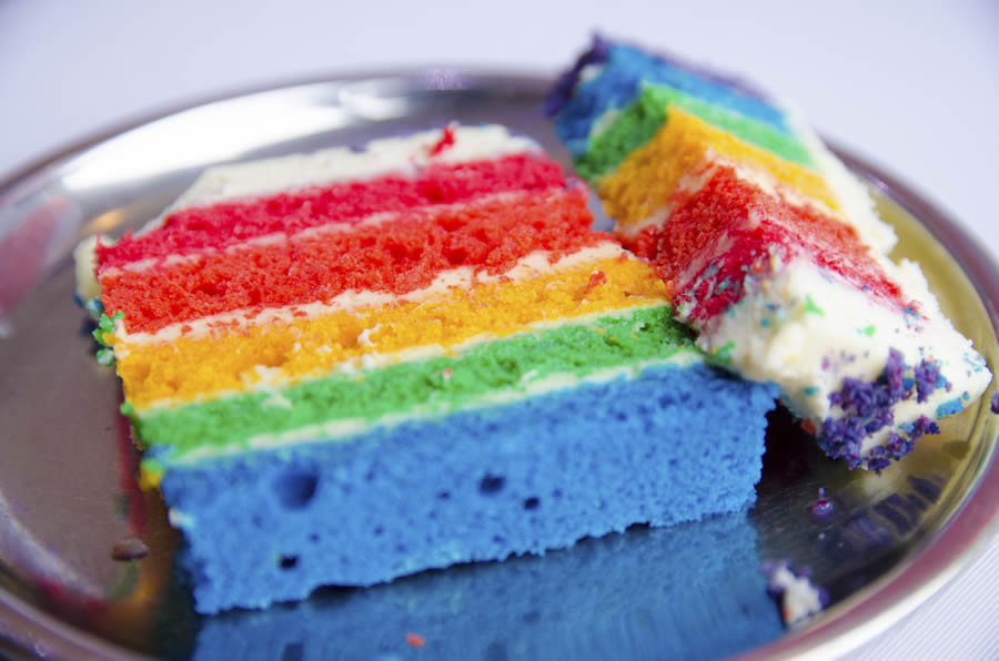 Gay Man Who Falsely Accused Whole Foods of Slur on Cake Drops